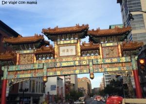 Puerta china o Arco de la Amistad, entrada de Chinatown (inaugurada en 1986)