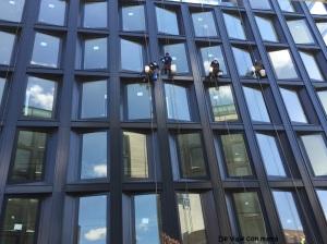 Limpiando ventanas (ida)