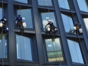 Limpiando ventanas (vuelta)